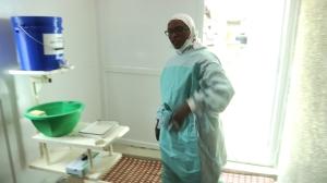 DevReporter Network_FACE A EBOLA_chambre isolement_Dakar Juin-Juillet 2015